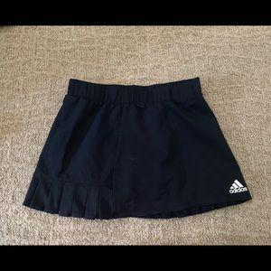 Adidas black pleated tennis skirt